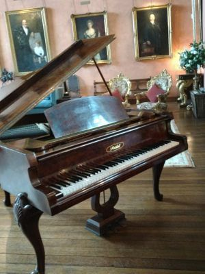 Piano at Cowdray House | Simon Grand