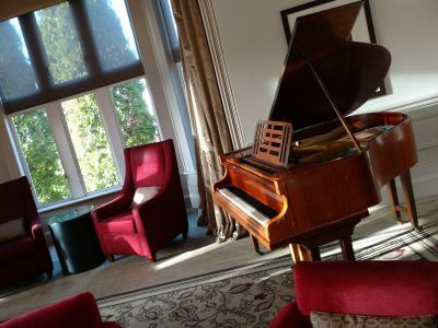Piano at Hartsfield Manor | Simon Grand