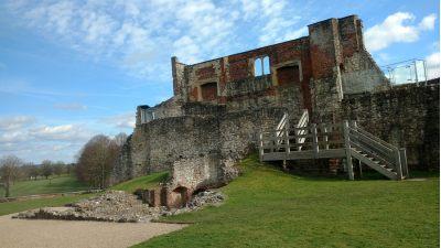 Pianist for Farnham Castle Surrey | Simon Grand