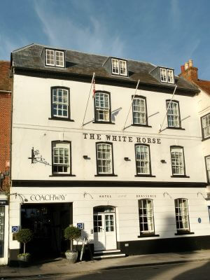 Piano at The White Horse Romsey | Simon Grand